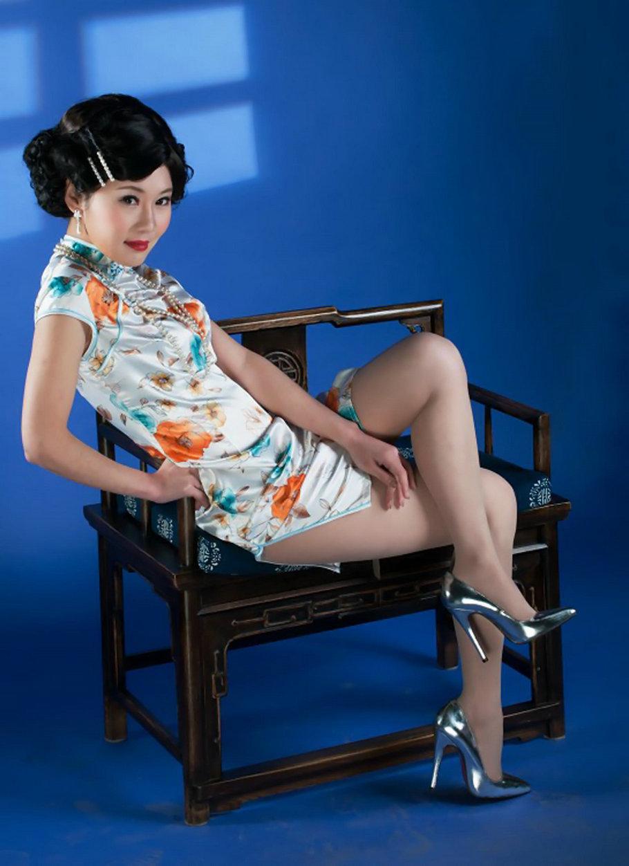 高清晰大图旗袍美女 6张