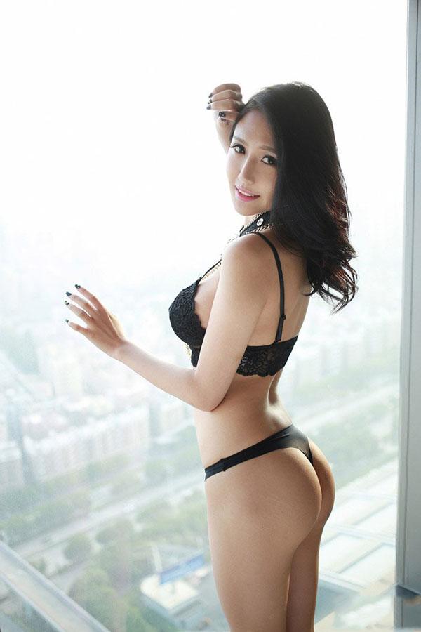 性感美女酒店高清写真大图 竖