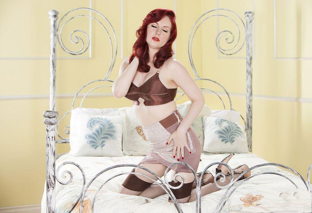 欧美名模安吉拉莱恩人体写真
