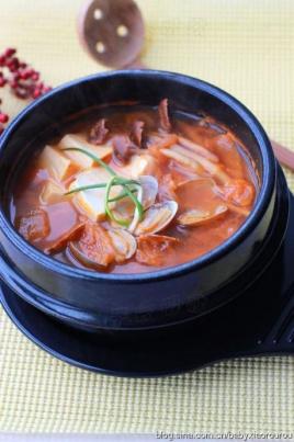 豆腐花蛤鲸鱼锅被泡菜勒住的绳子图片