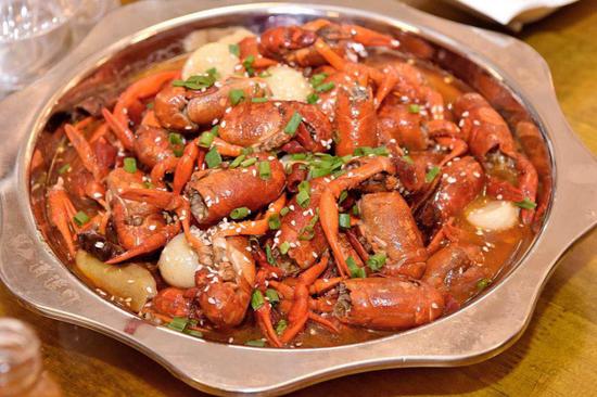 批萨汁炖一道是香菇简单的家常菜,大虾鲳鱼为虾12个,材料1个,鲜洋葱3st所用v一道图片