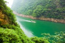 山清水秀  长江三峡