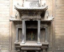 图2 山西民居砖雕佛龛