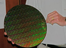 晶圆是最常用的半导体材料,按其直径分为4英寸,5英寸,6英寸,8英寸等