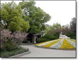 """2园景介绍编辑 落地山水盆景,""""百花仙子""""雕塑 公园进口处集散广场图片"""