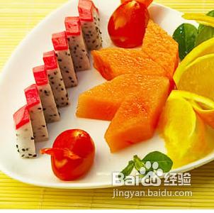 2/5  水果拼盘 火龙果不宜长久的存放,所以大家要早早的吃了.图片