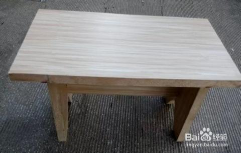 最后将18*35的木板用螺丝固定在基本成型的小凳子上做凳面就行了.图片