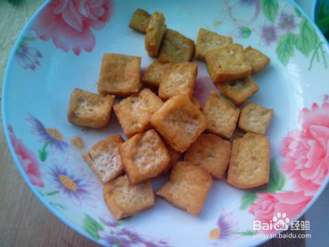 油炸豆腐的家常做法_油炸豆腐的做法大全——油炸豆腐泡怎么做好吃?