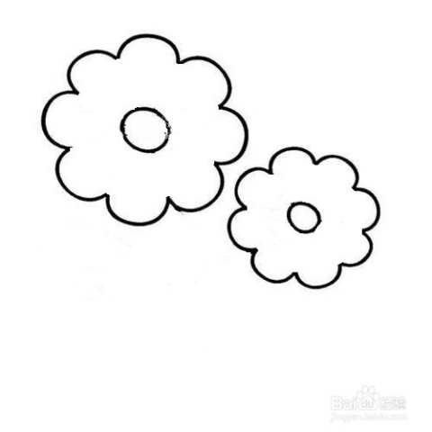 在圆形的周围画上简单的花边就行啦~很简单的哦,宝宝们慢慢画.图片