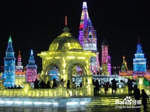 ,有很多历史、文物景点.比如故宫、天坛、圆明园、颐和园、鸟巢、