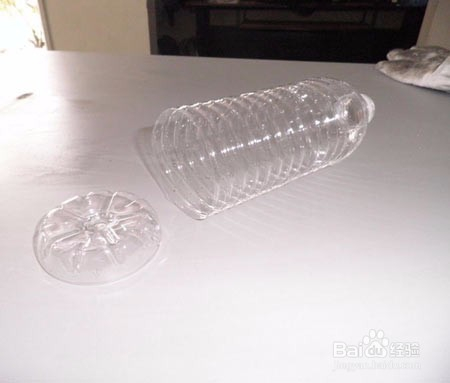 用矿泉水瓶底手工制作创意假花图片