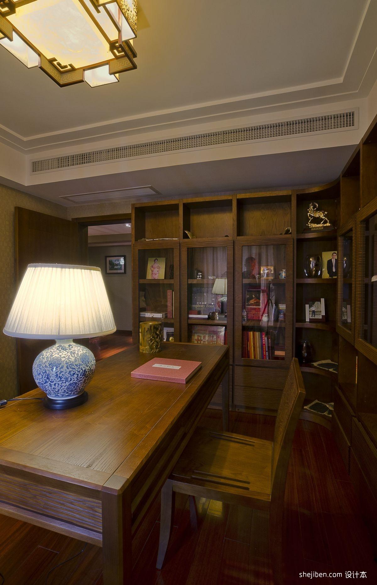 中式风格复式家装书房书架椅子书桌壁纸吊灯台灯装修效果图 高清图片