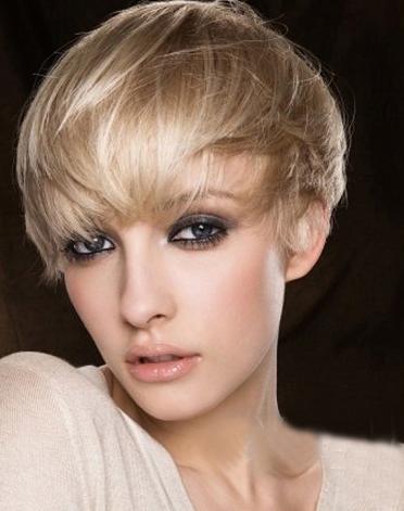 中学生短发沙宣头发型图片:炫酷图片