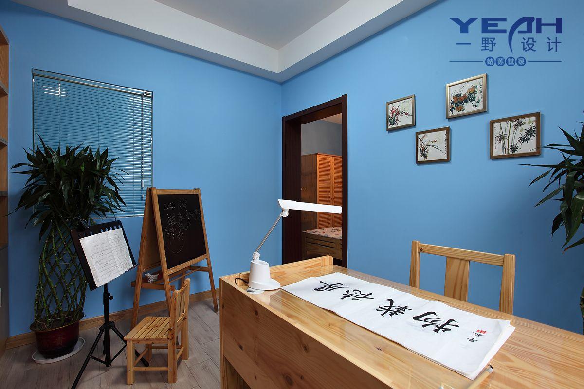 式风格三室一厅卧室加书房椅子书桌壁纸家具装修效果图欣赏 高清图片