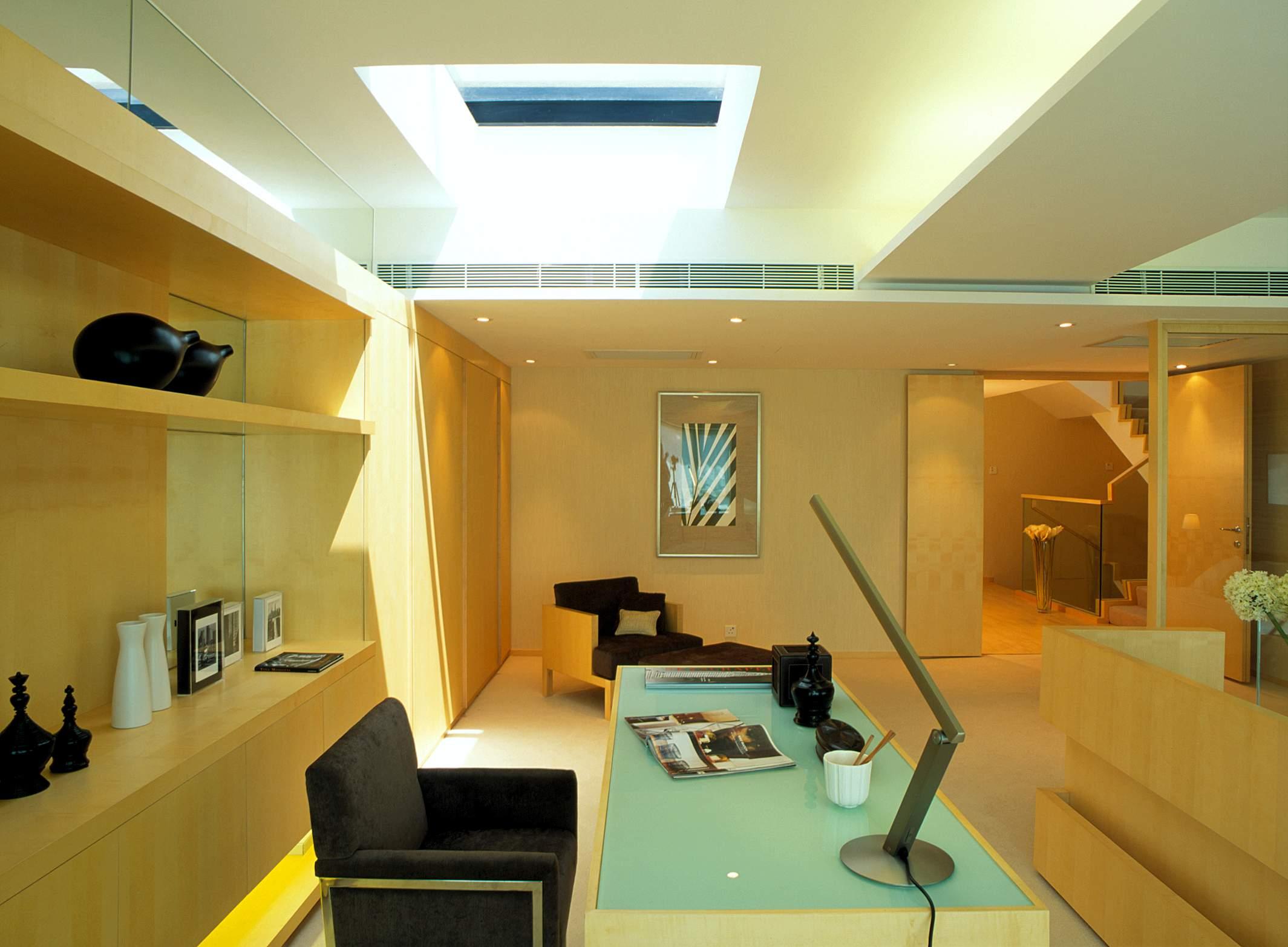 代风格样板房最新阳光书房书柜书架椅子书桌家具装修效果图 高清图片