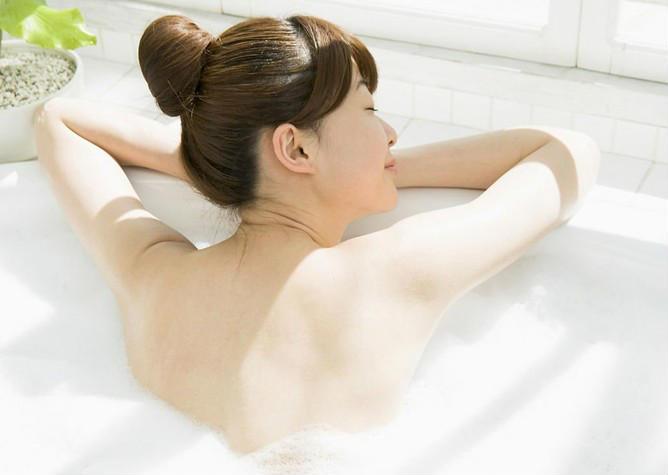 洗完澡后不宜立即入睡