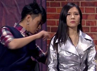 """小品《机械公敌》:王宁买个""""女朋友""""骗爸妈"""