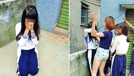 八年级女生厕所内受逼迫向同学下跪