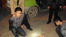 实拍广西民警高速路上抓毒贩 生死时速