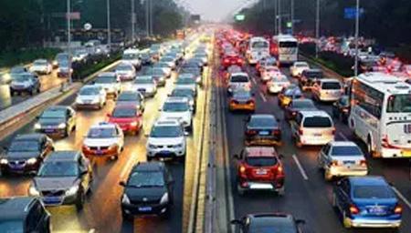 全国近六成城市拥堵下降