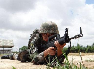 燃爆!特战女兵多武器射击