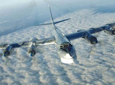 实拍:俄轰炸机巡航日本海