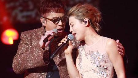 谭咏麟&丁当《强求好吗》 写给热恋情人的歌