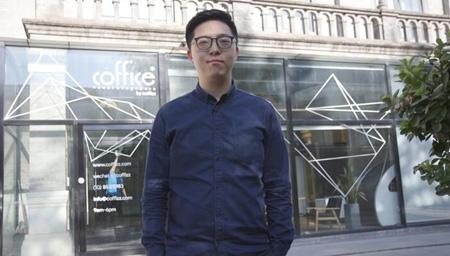 香港青年扎根王府井十年