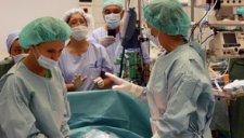 美国准妈妈脑死亡 维持生命体征54天后产子