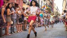 西班牙举办男子高跟鞋赛跑 鞋跟至少15厘米