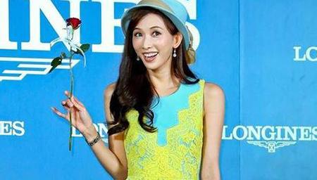 42岁林志玲参加同学会 年轻貌美鹤立鸡群