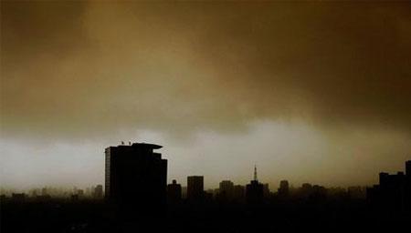 吉林白城遭大风沙尘袭击