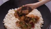 肉超级滑嫩,还有淡淡的清香!这道香辣柠檬鸡,就着米饭能吃三碗