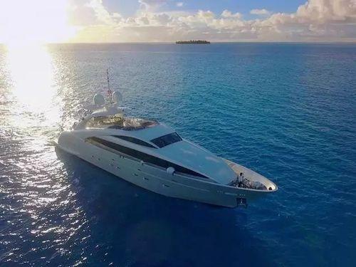 二更丨塞班岛上的豪华游艇