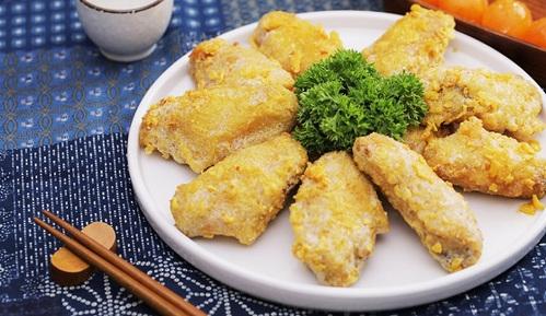 鸡翅除了配可乐还能怎么做?酥脆起沙的咸蛋黄炒鸡翅更受欢迎呀!
