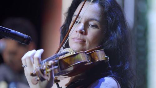 她有让人羡慕的工作,在上海寻找全球奇幻乐器演奏家