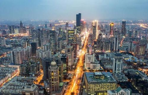 作为农村出身的孩子,c9研究生即将毕业,该选择大城市还是小城市?