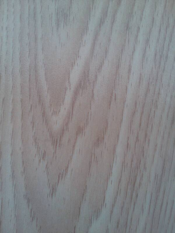 客厅,卧室,铺设什么颜色的木地板比较好?