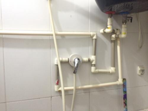 电热水器怎么安装省水管,又简洁美观呢?图片