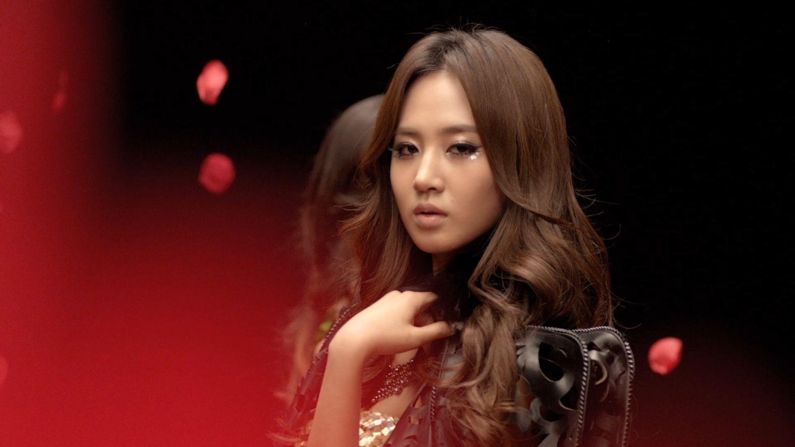 求一个mv是韩国女子组合的