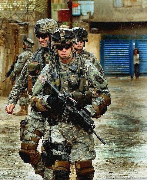 美军装备_海湾战争时以及现在美军单兵装备什么武器