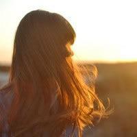夕阳下女生背影头像 侧面背影的都行 不一定要夕阳下的 不要非主流的