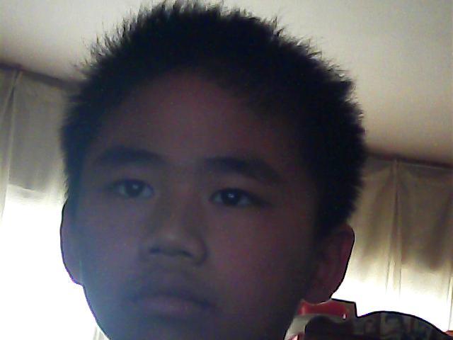 男生头大脸大适合什么发型图片