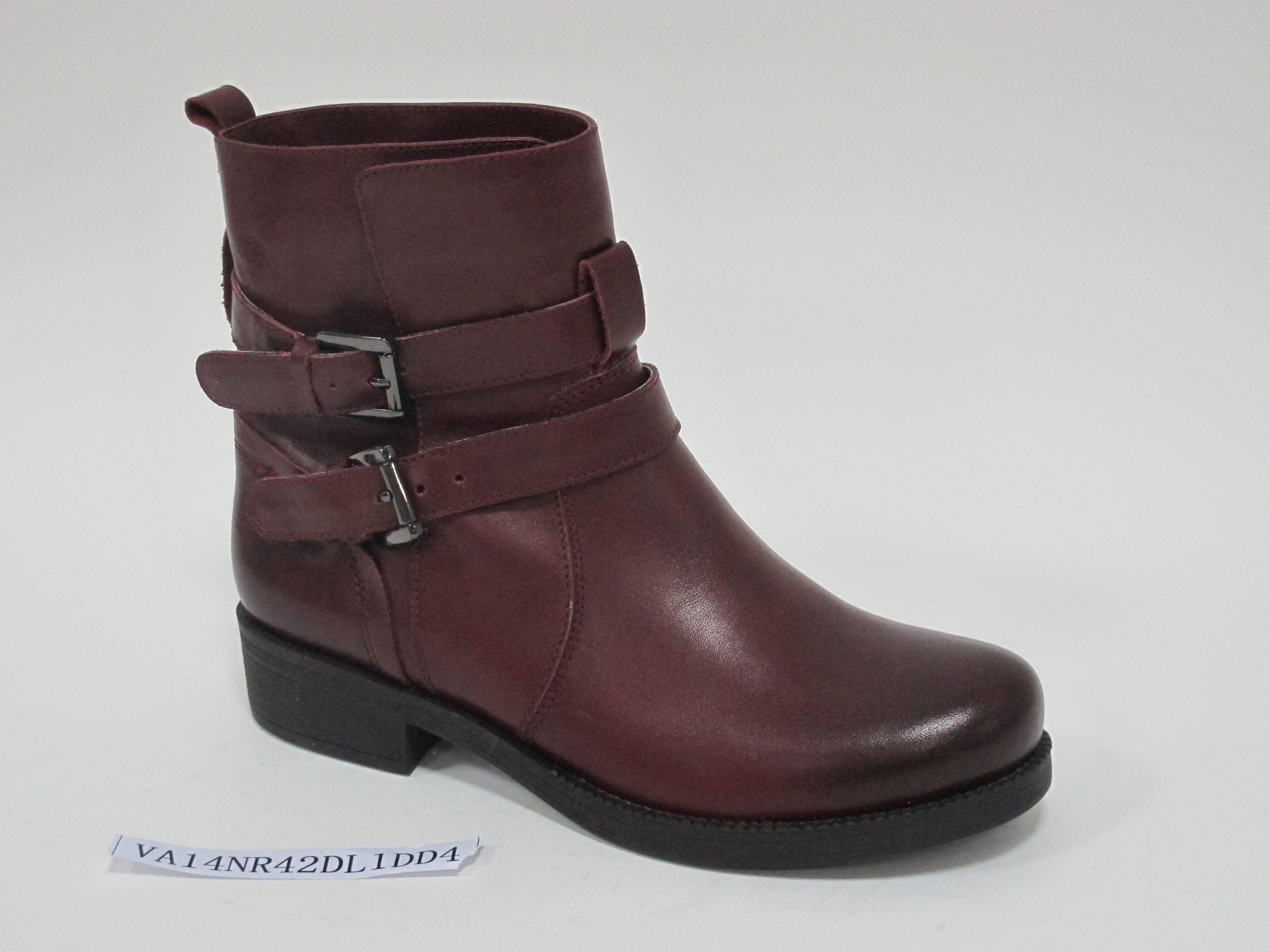 森达女鞋2014新款酒红色短靴图片