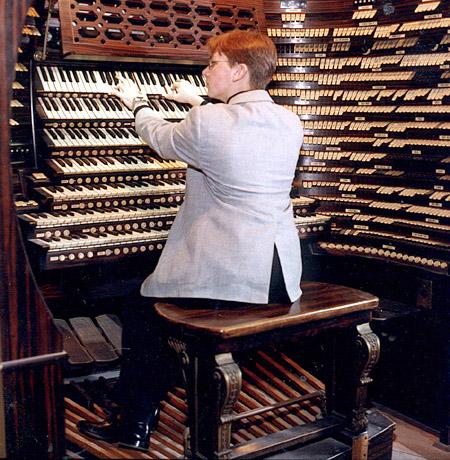管风琴演奏大师还是蛮多的图片