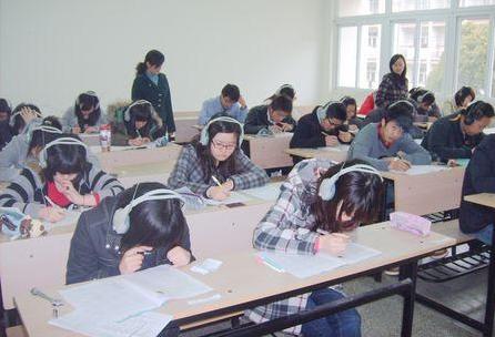 大学生英�yf����(K�_怎样看待全国大学生英语竞赛?