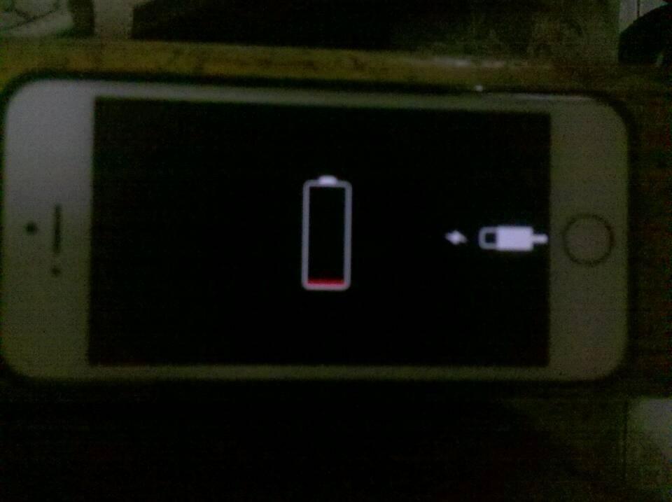 新买的电量6s显示显示充电没关机,充满苹果百分却开机时空百?多酷过后猎人iphone图片