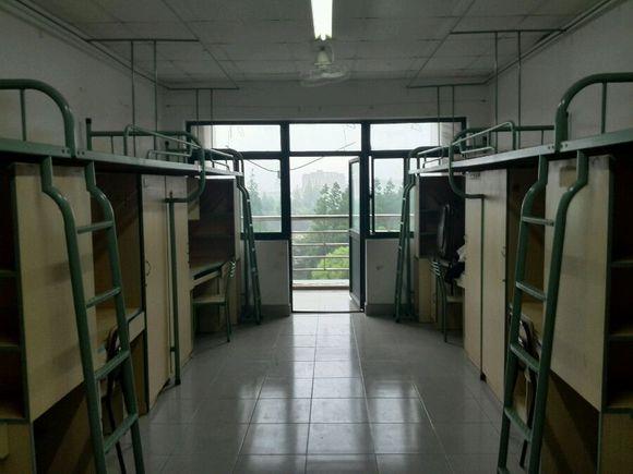 上海理工大学新生宿舍照片图片