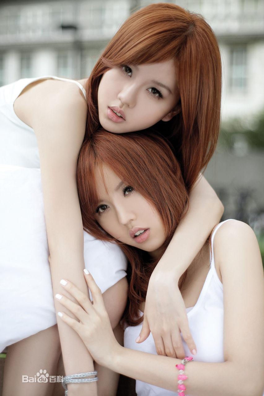 双胞胎小美女热舞少女时代叫什么啊