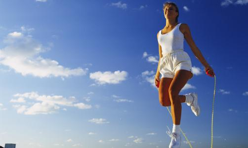跳绳能减肥吗_如何看待通过跳绳减肥的做法?
